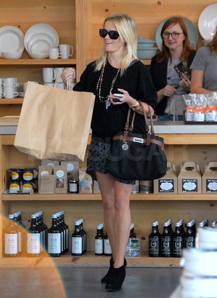 Reese Witherspoon picked up a few home items at Heath Ceramics in LA.