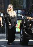 Jessica Simpson looking pregnant pictures.