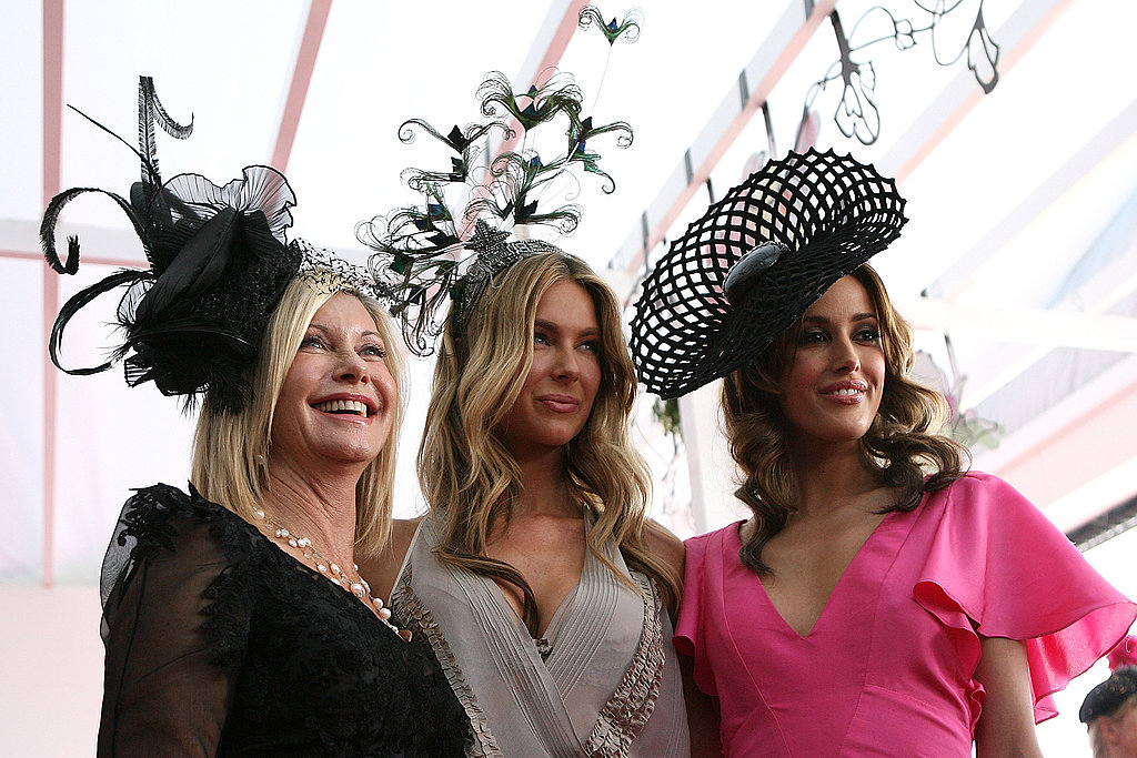 2009: Olivia Newton-John, Jennifer Hawkins and Rebecca Twigley