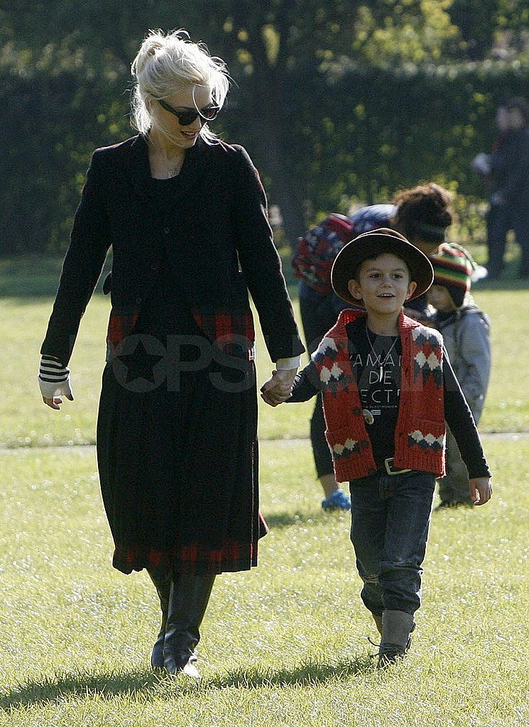 Gwen and Kingston walked in step.