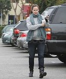 Jennifer Garner carried a hot drink.