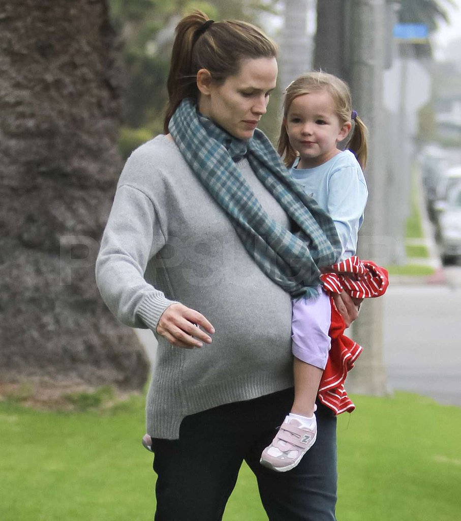 Jennifer Garner bundled up her baby bump with Seraphina Affleck.