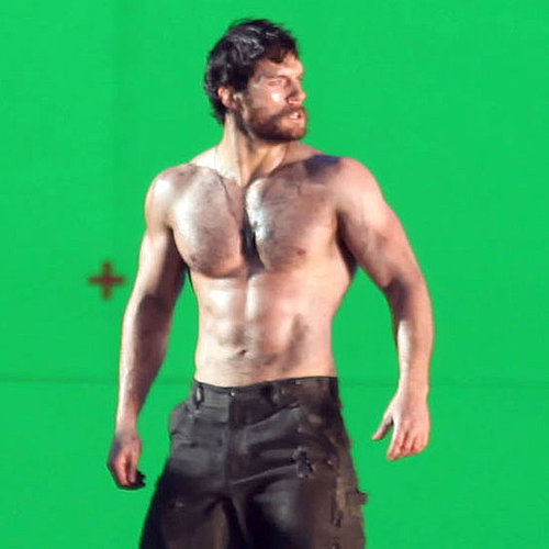 Henry Cavill Shirtless on Man of Steel Set Pictures