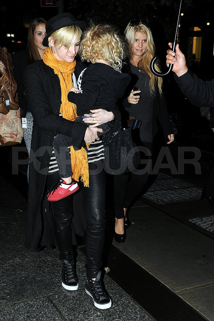 Jessica Simpson and Ashlee Simpson headed out in NYC.