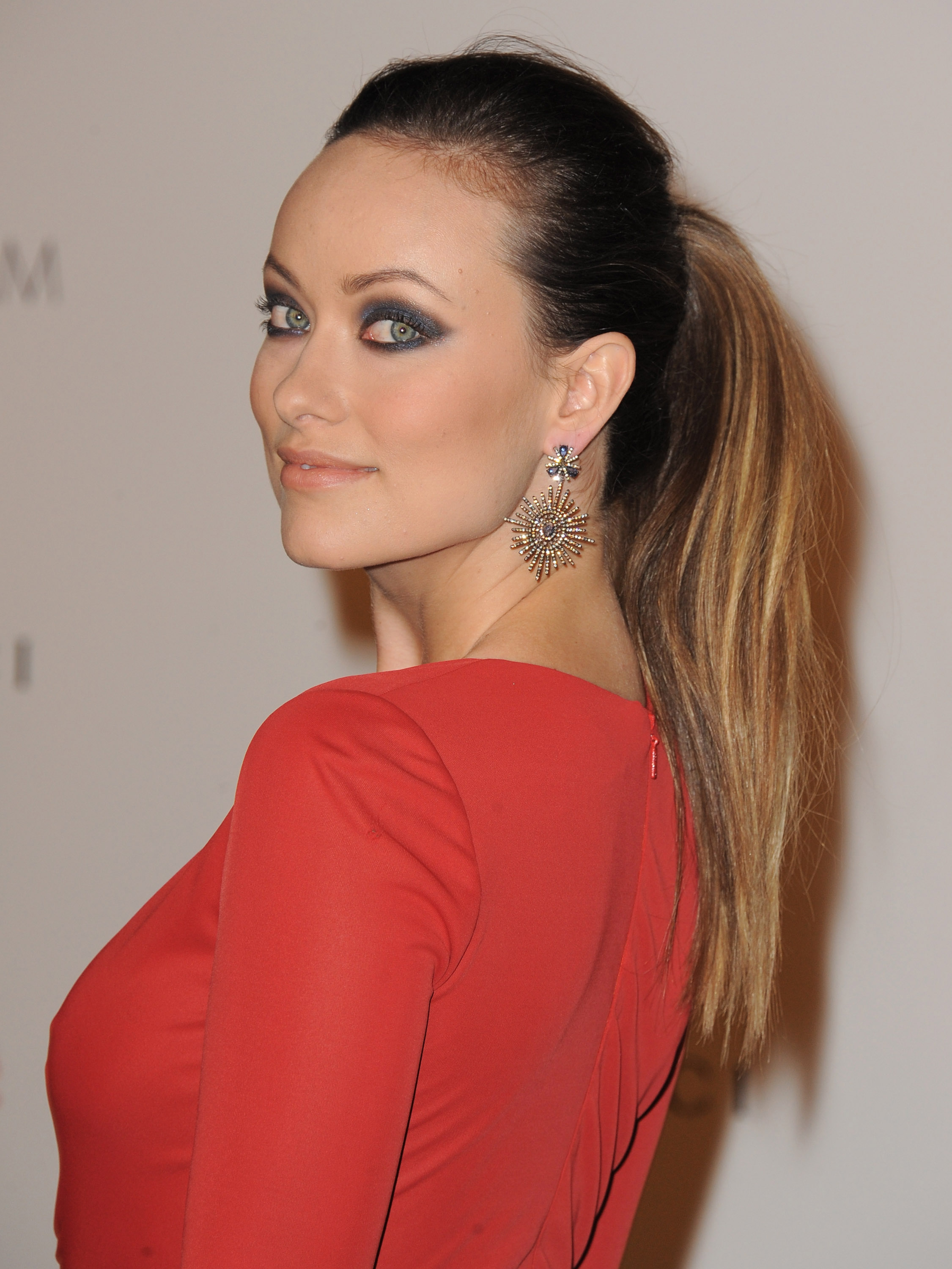 Olivia Wilde with smokey eyes.