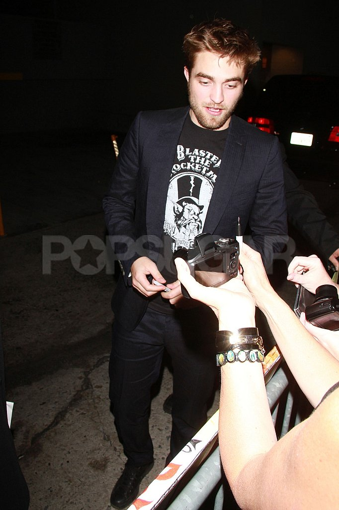 Robert Pattinson chatted with his fans in LA.