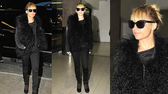 Check Out Nicole Richie's All-Black Airport Ensemble!
