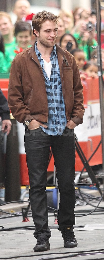 Robert Pattinson kept his hands in his pockets.
