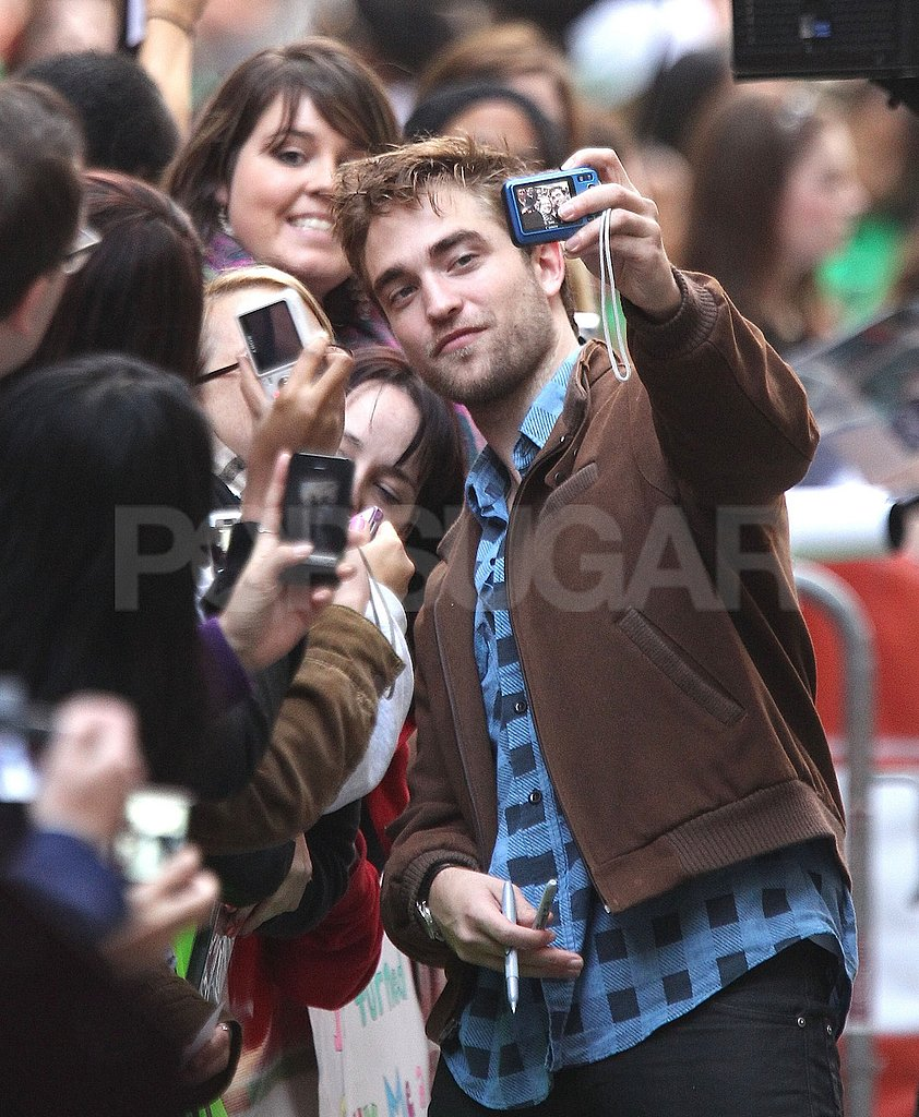 Robert Pattinson made time for fans at The Today Show.