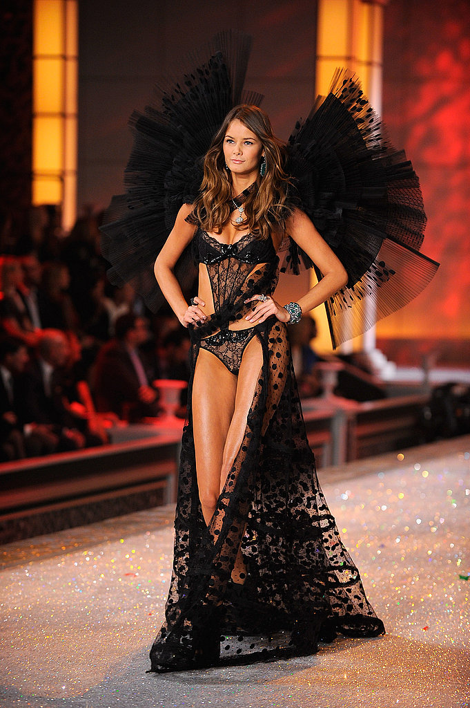 Victoria's Secret 2011 Fashion Show