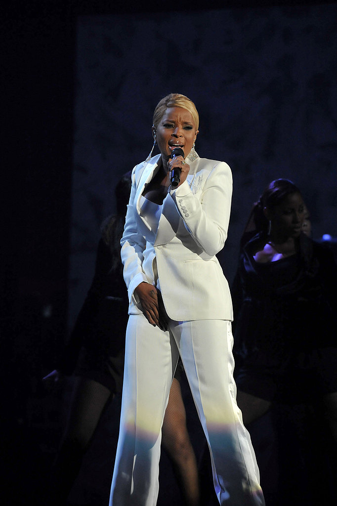 Mary J. Blige worked a sexy white suit.