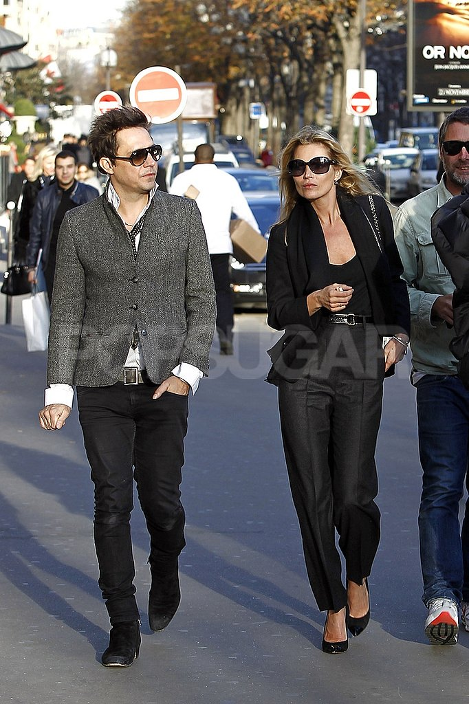 Kate Moss and Jamie Hince took a walk around Paris together.