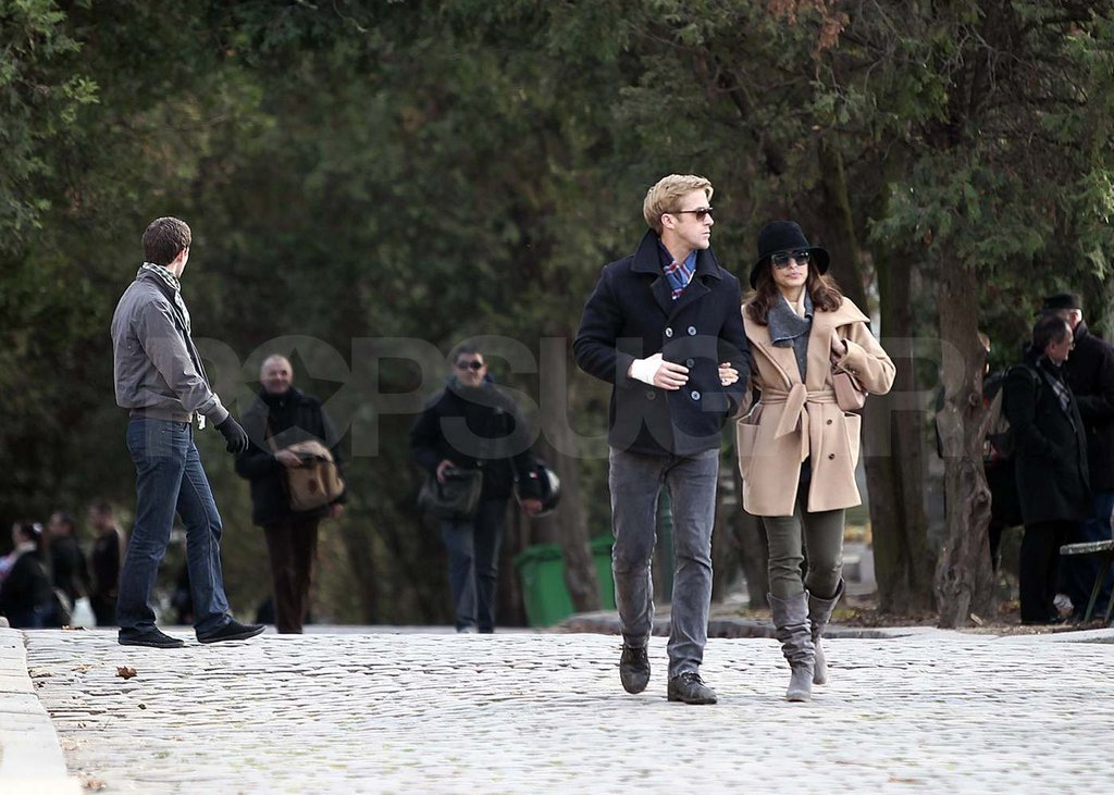 Ryan Gosling and Eva Mendes Show PDA While Exploring Paris