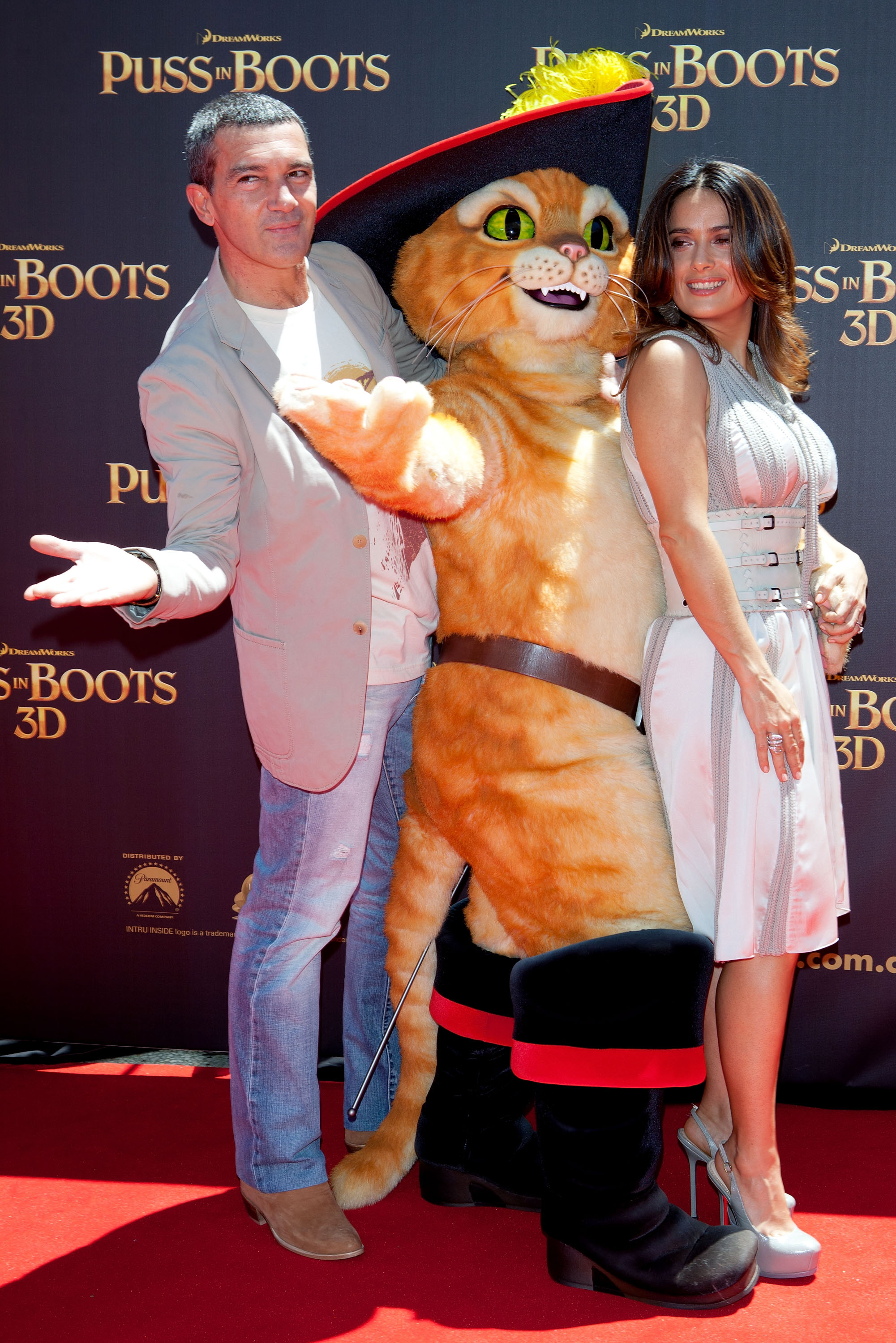 Antonio Banderas, Puss and Salma Hayek