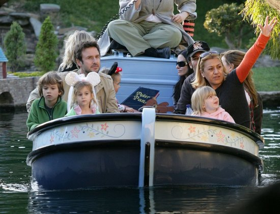 Courteney Cox and David Arquette rode the Jungle Cruise with Coco in January 2008.