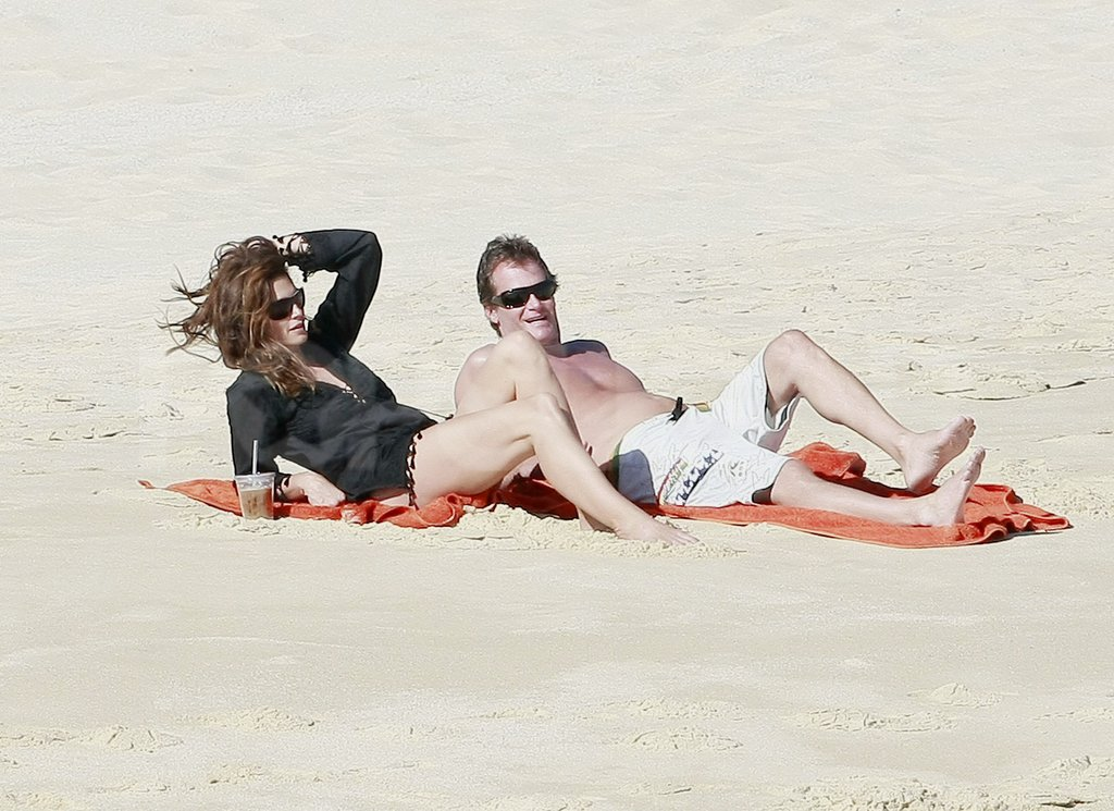 Cindy Crawford showed off her supermodel legs and shirtless Rande Gerber caught some rays.