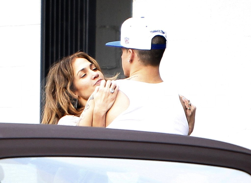 Jennifer Lopez and Casper Smart looked like a smitten couple!