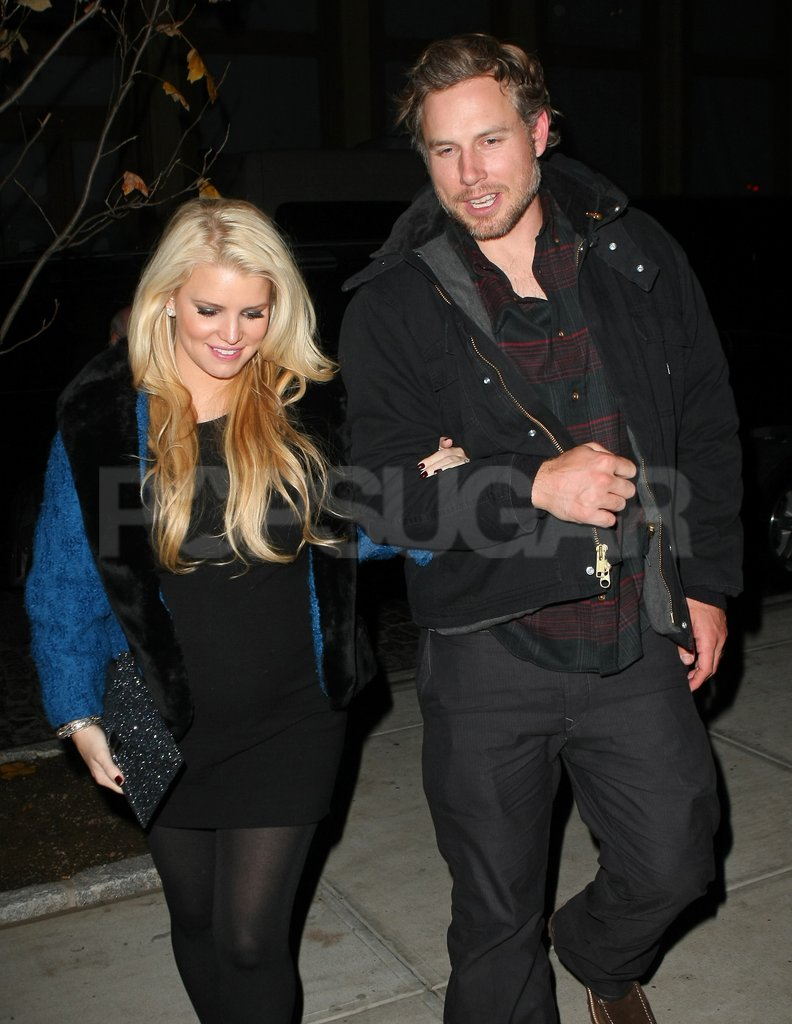 Mom-to-be Jessica Simpson headed home from dinner with Eric Johnson.