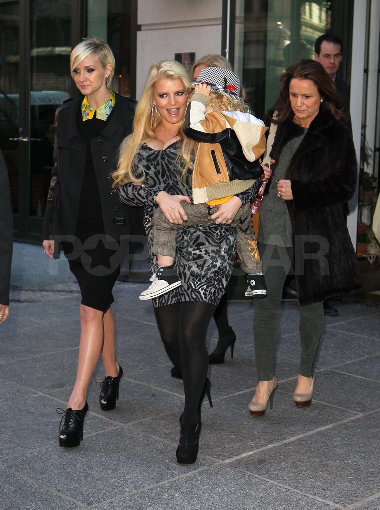 Jessica Simpson carrying Bronx out in NYC.