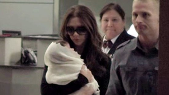 Video: Victoria and Harper Beckham Return From Their Latest Mother-Daughter Trip