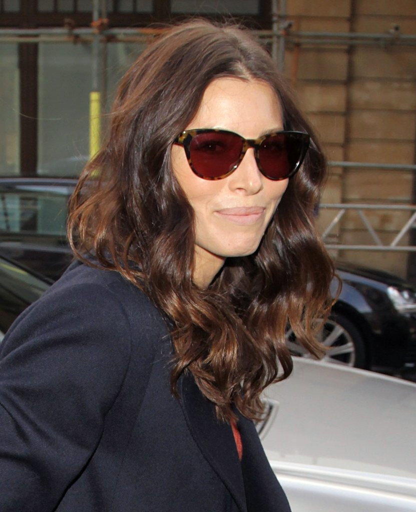 Jessica Biel wore cat eye sunglasses.