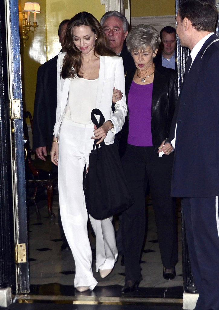 Jane Pitt and Angelina Jolie stuck close.