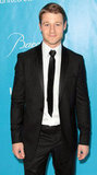 Benjamin McKenzie opted for a long, skinny tie.