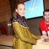 Blake Lively Shops at Apple&#039;s Grand Central Terminal Store