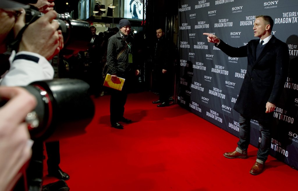 Daniel Craig arrived at the Stockholm premiere of The Girl With the Dragon Tattoo.