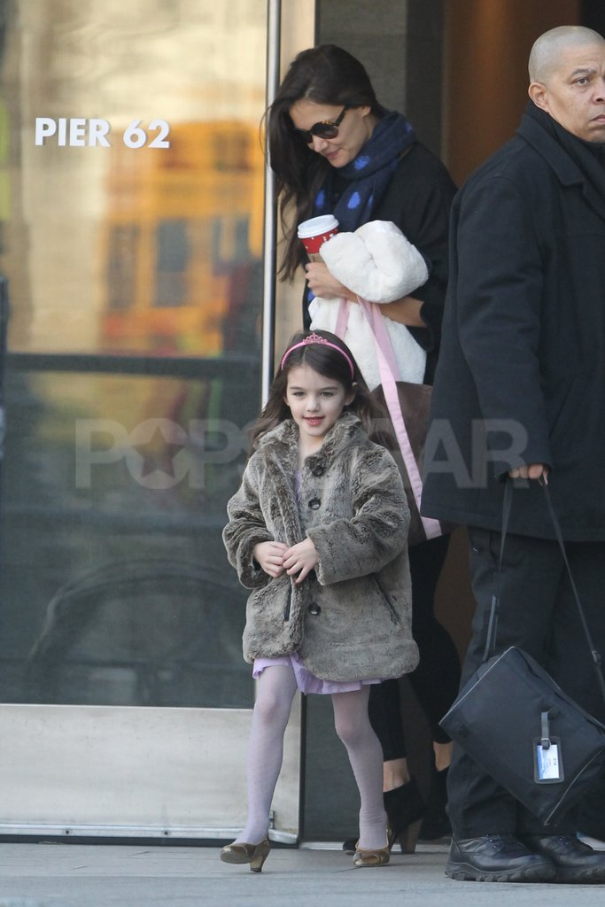 Katie Holmes and Suri Cruise smiled on a mother-daughter day in NYC.