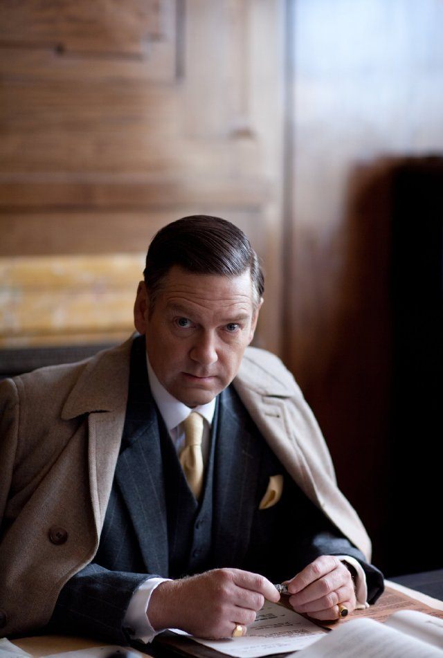 Kenneth Branagh as Sir Laurence Olivier