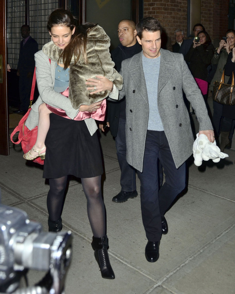 Tom, Katie, and Suri all bundled up in chilly Manhattan.