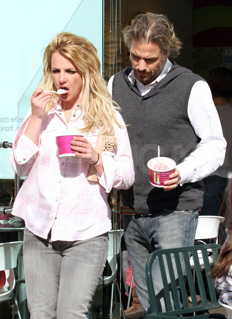 Their shared love of frozen yogurt came in handy in LA in April 2010.