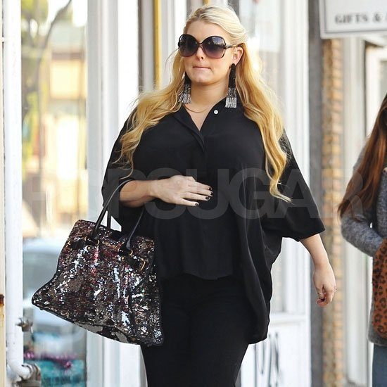 Jessica Simpson made her way to a bridal shop.