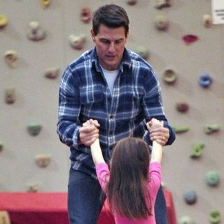 Tom Cruise Suri Cruise Chelsea Piers Pictures