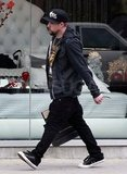 Joel Madden shopping.