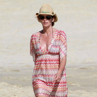 Cindy Crawford Walking on the Beach in Cabo Pictures