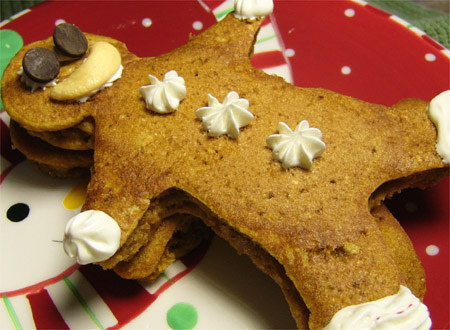 Ginger and Pumpkin Gingerbread Man Pancakes