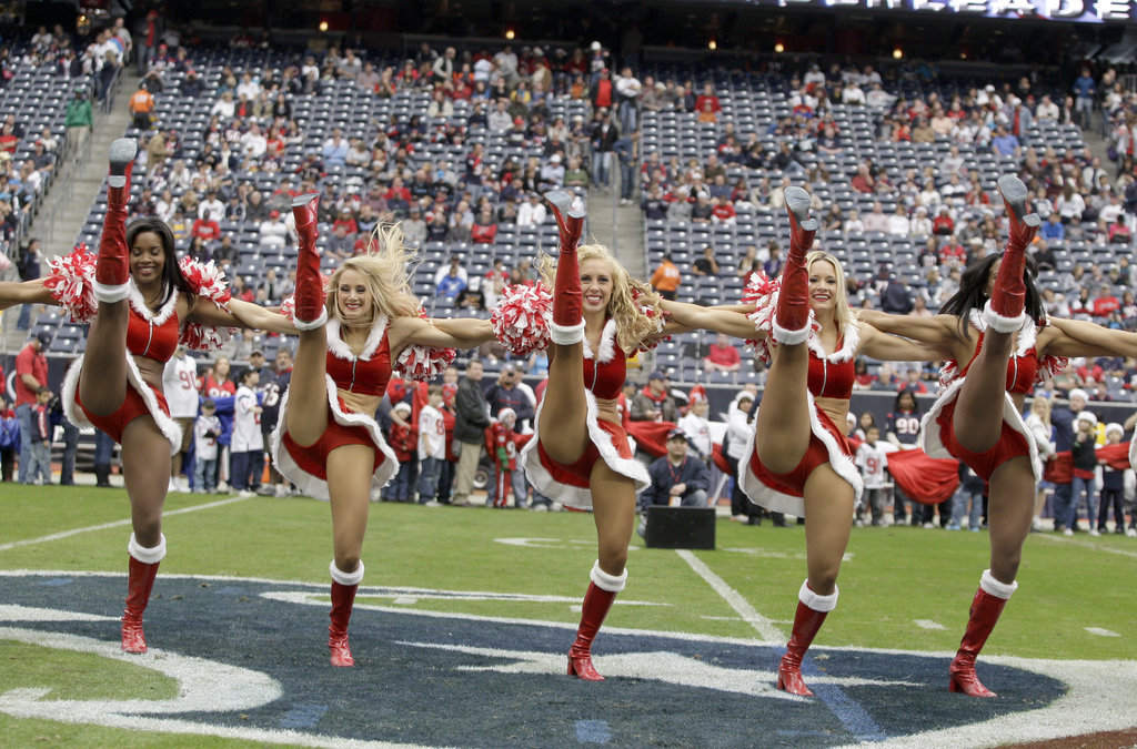 Houston's cheerleaders kick things off.