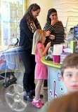 Jennifer Garner and Violet picked up frozen yogurt together.