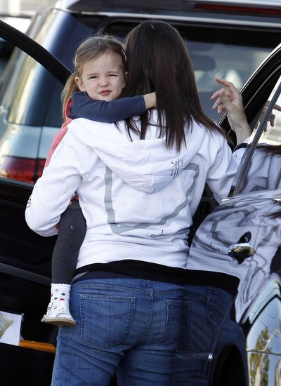 Seraphina Affleck held on tight to Jennifer Garner.