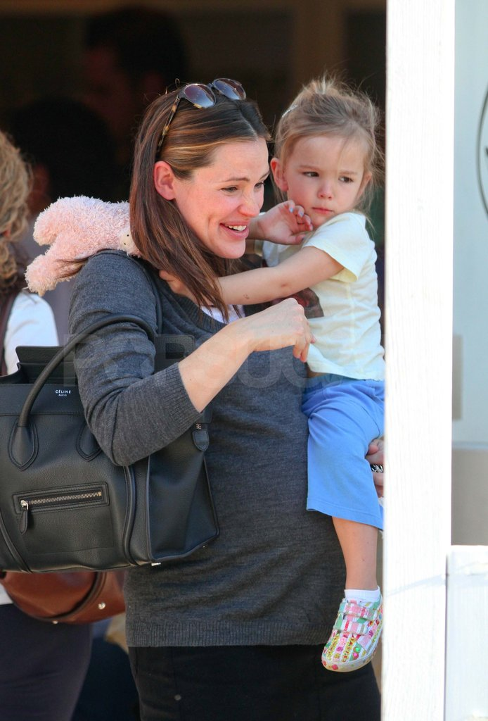 Jennifer Garner with Seraphina.