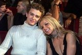 Britney and JT get close at the 2000 MTV Video Music Awards.