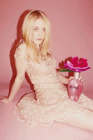 Oh, Lola! Perfume Ad