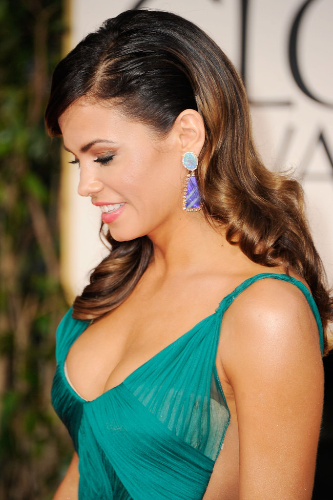Jenna Dewan showed off her earrings at the 2012 Golden Globe Awards.