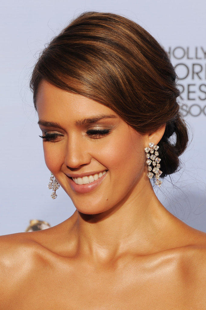 Jessica Alba smiled at the Golden Globes.