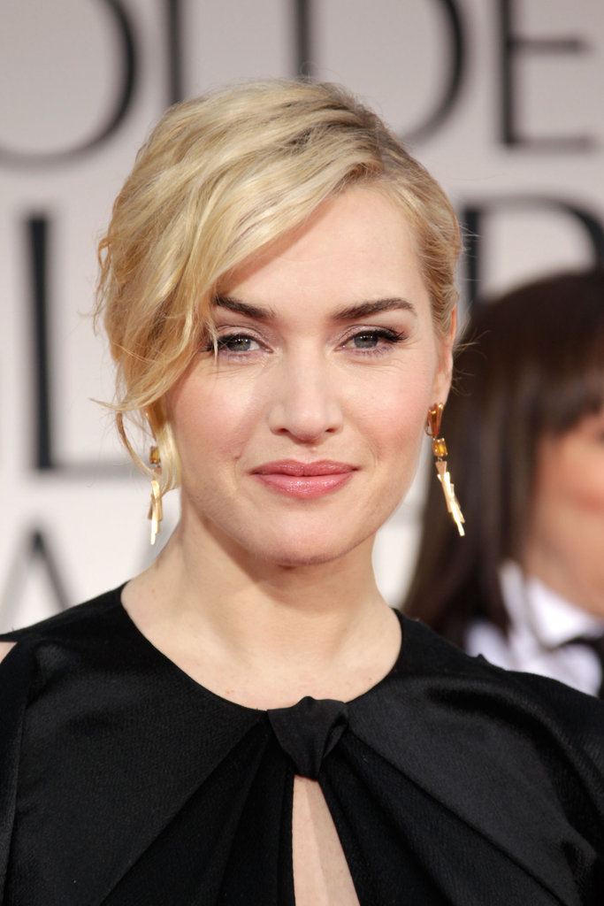 Kate Winslet gave a glimpse of her dangling earrings at the 2012 Golden Globe Awards.