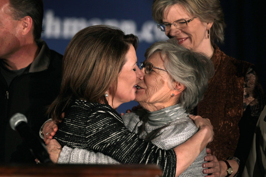 After announcing she's dropping out of the presidential race, Michele Bachmann kisses her mother.