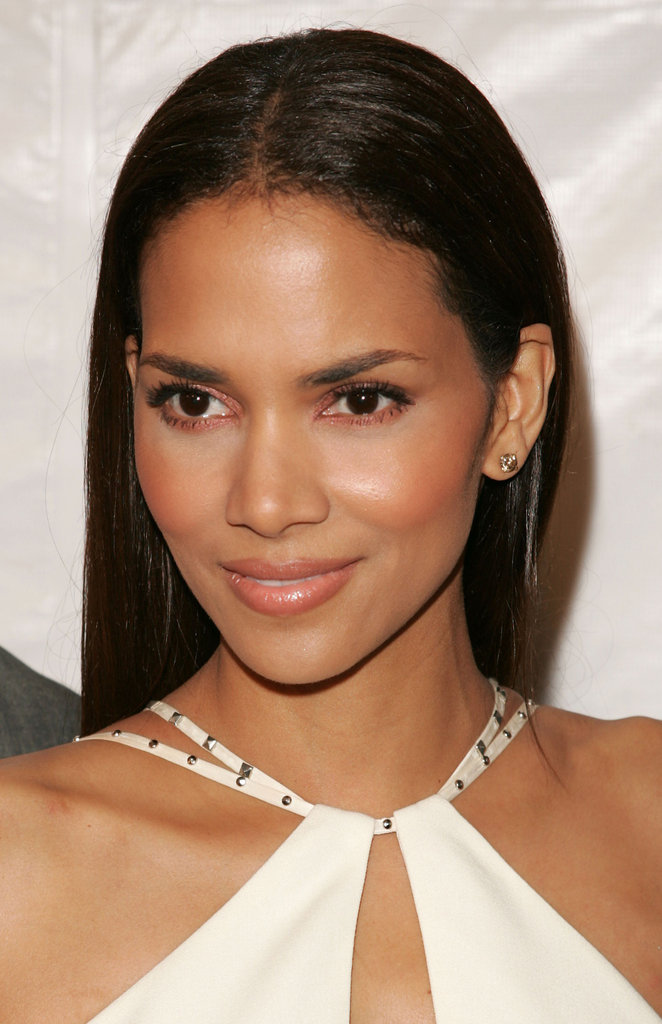 "On Beauty ""Being thought of as a beautiful woman has spared me nothing in life. No heartache, no trouble. Love has been difficult. Beauty is essentially meaningless and it is always transitory."" — Halle at a London press conference in 2004"