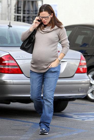 Pregnant Jennifer Garner Shopping at Whole Foods Pictures